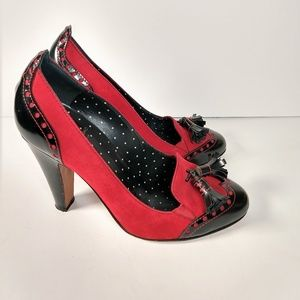 Moschino Shoes - Moschino red & black spectator pumps tassel 8.5